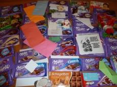 Gyűlnek a csokoládé adományok, üzenettel