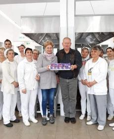 A Barcsi Széchenyi Ferenc Gimnázium konyhájának dolgozói és az ételszállítók