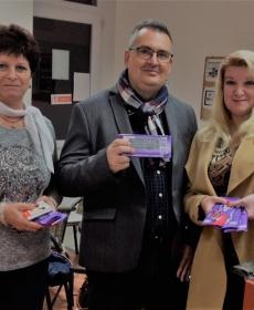 Vekkeli Józsefné Anikó, Inkei Farkas Márton, és Horváth Adrienne is támogatta a Remény a leukémiás gyerekekért alapítvány jótékonysági csokigyűjtését.