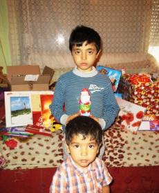 Karácsony előtt eljutottak az ajándékok a családokhoz és a centrumokba 1